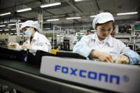 Foxconn заменит людей роботами