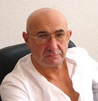 Юлий Малакянц