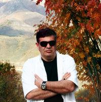 Армен Казарян (поющий банкир)